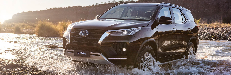 Banner Toyota Fortuner 2022